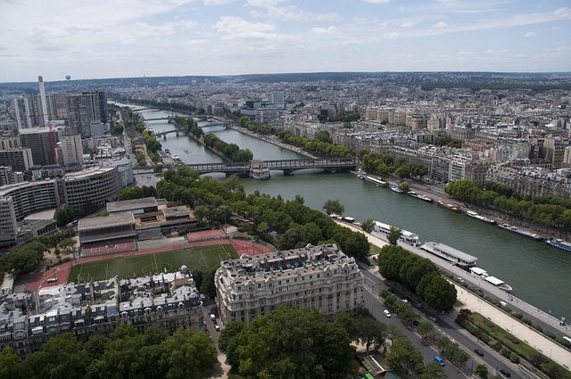 ICC のあるパリの風景